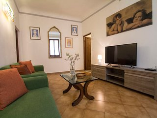 3 bedroom Apartment in Florence, Tuscany, Italy : ref 5452269