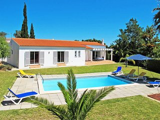 3 bedroom Villa in Porches, Faro, Portugal : ref 5434713