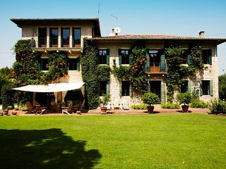 6 bedroom Villa in Bastia, Veneto, Italy : ref 5218493