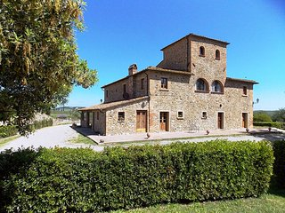 Fattoria Spedaletto Apartment Sleeps 4 with Pool and WiFi - 5226935