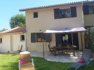 3 bedroom Villa in La Negresse, Nouvelle-Aquitaine, France : ref 5699279