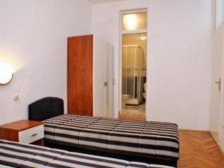 Two bedroom apartment Potočnica, Pag (A-3075-b)
