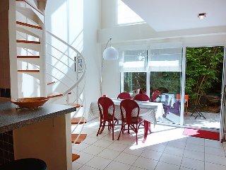1 bedroom Apartment in Paris, Ile-de-France, France : ref 5025835