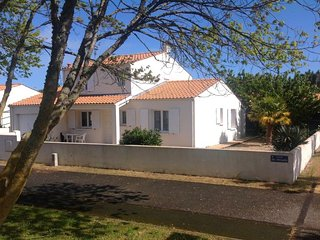 3 bedroom Villa in L'Ile d'Oleron, Nouvelle-Aquitaine, France : ref 5046845