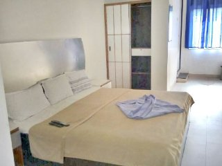 Comfortable Non AC Stay nearby all amenities