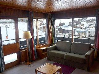 Tignes Apartment Sleeps 4 with WiFi - 5700103