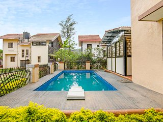 Idyllic 6-BHK with a pool, ideal for a group getaway