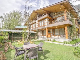 Gorgeous pet-friendly hideaway, 1.9 km from Mall Road