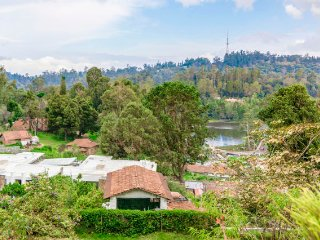 Maruti Villa Beautiful 2-bedroom homestay, 1 km from Kodaikanal Lake