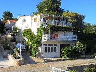 Comfortable and spacious house Brna, Korčula (K-11038)