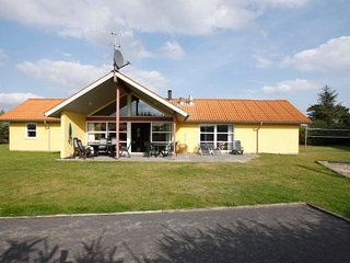 Mariager Holiday Home Sleeps 10 with Pool and WiFi - 5043010