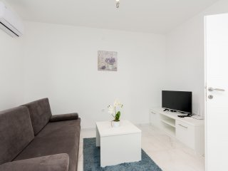 Star 5 modern & centrally located ap. for 4 people