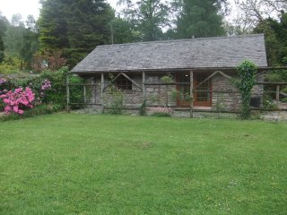 Idyllic Loch Lomond Cottage