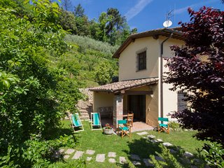 5 bedroom Villa in Camaiore, Tuscany, Italy : ref 5055150