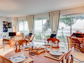 2 bedroom Apartment in Dinard, Brittany, France : ref 5699736