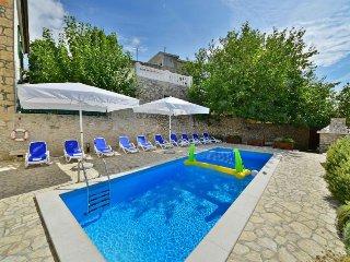 1 bedroom Apartment in Novi Vinodolski, Primorsko-Goranska Zupanija, Croatia : r