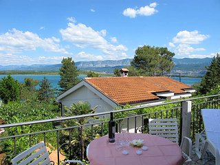 4 bedroom Villa in Dobrinj, Primorsko-Goranska Županija, Croatia : ref 5440193
