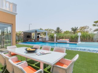Platinum 5 Bed Villa | Private Heated Pool | Best Location  Medlock Villas Dubai