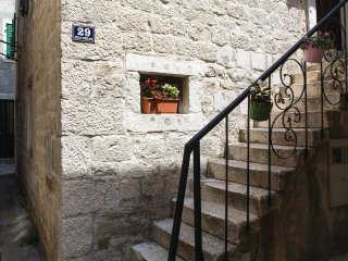 4 bedroom Villa in Kaštel Stari, Splitsko-Dalmatinska Županija, Croatia : ref 55