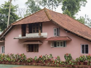 5-BR homestay amidst picturesque woods