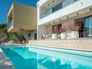 4 bedroom Villa in Omis, Splitsko-Dalmatinska Zupanija, Croatia : ref 5569028