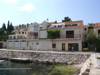 Three bedroom apartment Brna (Korčula) (A-4463-b)
