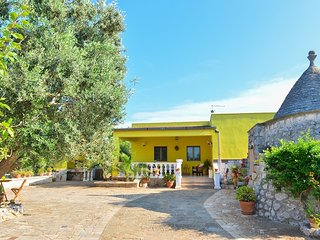 Villa Radiosa near the beaches of Puglia