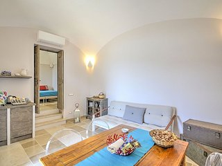 Massa Lubrense Villa Sleeps 4 with Air Con and WiFi - 5416637