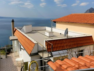 Three bedroom apartment Omiš (A-10349-a)