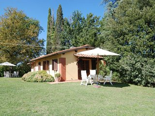 2 bedroom Villa in Sergine di Sotto, Tuscany, Italy : ref 5055288