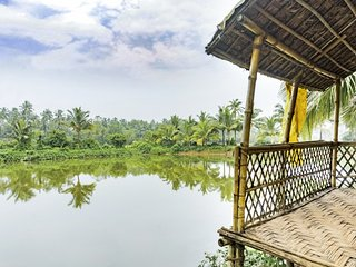 Homely 1-bedroom cottage for a romantic getaway, right on Arambol backwaters