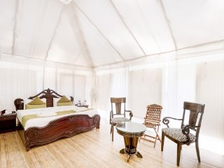 Tent stay for those on a romantic escapade, 150 m from Ashwem Beach