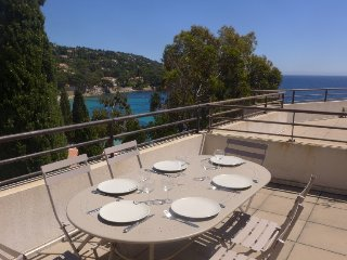 2 bedroom Apartment with Air Con, WiFi and Walk to Beach & Shops - 5700086