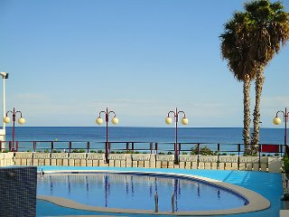 2 bedroom Apartment with Pool and Walk to Beach & Shops - 5697989