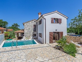 2 bedroom Villa in Svetvincenat, Istarska Zupanija, Croatia : ref 5036581