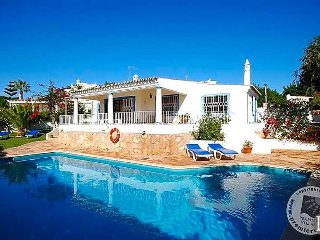 2 bedroom Villa with Pool and WiFi - 5432999