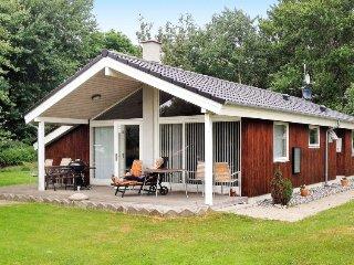 Hummingen Holiday Home Sleeps 8 with WiFi - 5035304