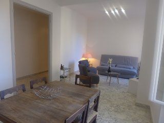 2 bedroom Apartment in Nice, Provence-Alpes-Côte d'Azur, France : ref 5333451