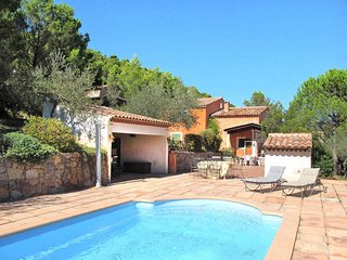3 bedroom Villa in Cuers, Provence-Alpes-Cote d'Azur, France : ref 5437037