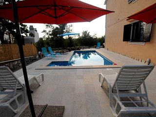 Cozy spacious apartment, 120 m2 with an external pool and a beautiful  landscape