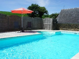 2 bedroom Villa in Chateaulin, Brittany, France : ref 5046761
