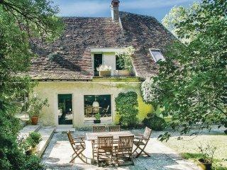 4 bedroom Villa in Saint-Georges-sur-Baulche, Bourgogne-Franche-Comte, France :