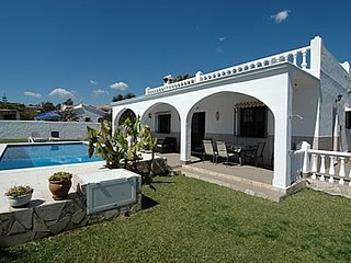 Nerja Villa Sleeps 6 with Pool and Air Con - 5049908