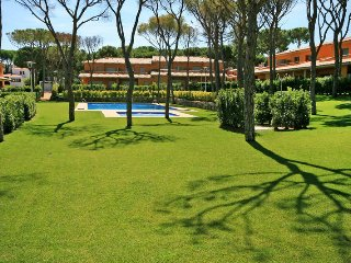 4 bedroom Apartment in Mas Pinell, Catalonia, Spain : ref 5435536