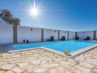 2 bedroom Villa in Zubčić, Zadarska Županija, Croatia : ref 5551445