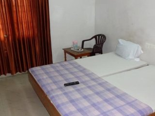 Guesthouse stay for students, stone's throw from Auroville beach