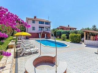 2 bedroom Apartment in Banjole, Istarska Zupanija, Croatia : ref 5034271