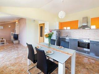 2 bedroom Apartment in Kaštel Lukšić, Splitsko-Dalmatinska Županija, Croatia : r