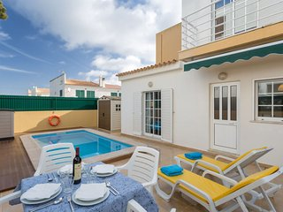 3 bedroom Villa in Armação de Pêra, Faro, Portugal : ref 5569813