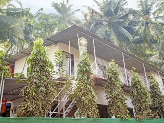 Well-appointed room for three, close to Alibag Beach